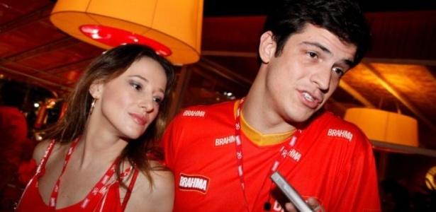 O ator Mateus Solano em entrevista na Sapucaí (14/02/2010)