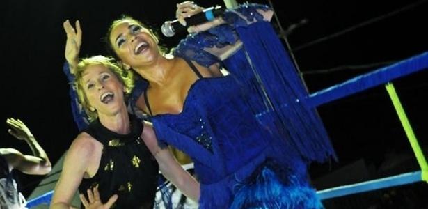 A bailarina Deborah Colker dançou com Daniela Mercury no circuito Barra-Ondina