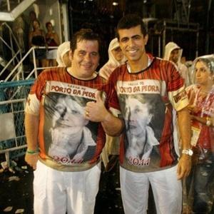 Leandro Hassum e Marcius Melhem na concentração da Porto da Pedra, no Rio de Janeiro (7/3/2011)