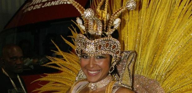 Priscila Pires desfilou como rainha do Carnaval no Salgueiro (7/3/11)