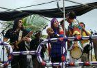 Novos Baianos desfilam no Barra-Ondina
