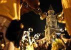 Banda Redonda anima foliões na noite de segunda