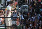 Saulo Fernandes anima os foliões no Campo Grande