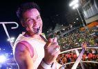 Alexandre Peixe agita multidão no circuito Barra-Ondina