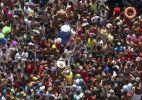 Galo da Madrugada leva milhares de pessoas às ruas