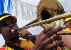 Músicos e desfile de bonecos animam Carnaval em Olinda