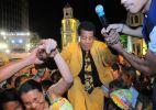 Jair Rodrigues se junta ao público em show no Recife