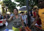Bloco Simpatia é Quase Amor desfila em Ipanema