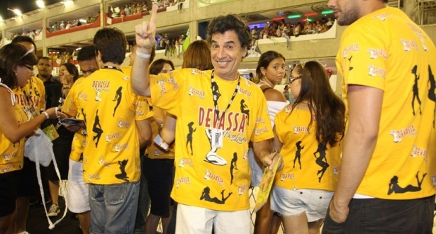 Paulo Betti participa do carnaval do Rio de Janeiro (15/02/2010)