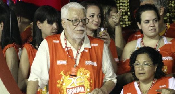 Manoel Carlos acompanha Carnaval carioca nos camarotes da Sapucaí (15/02/2010)