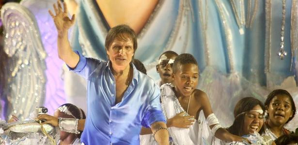 Enredo sobre Roberto Carlos deu à escola Beija-Flor o título do Carnaval carioca em 2011 - Marcelo de Jesus/UOL